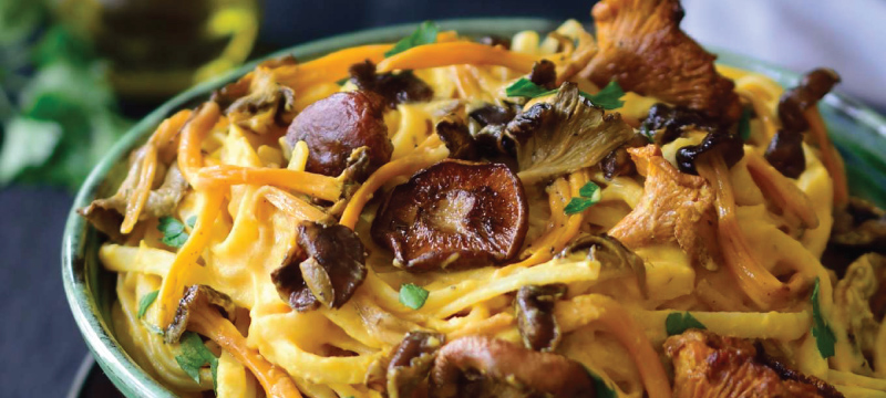 Pumpkin pasta with mushrooms