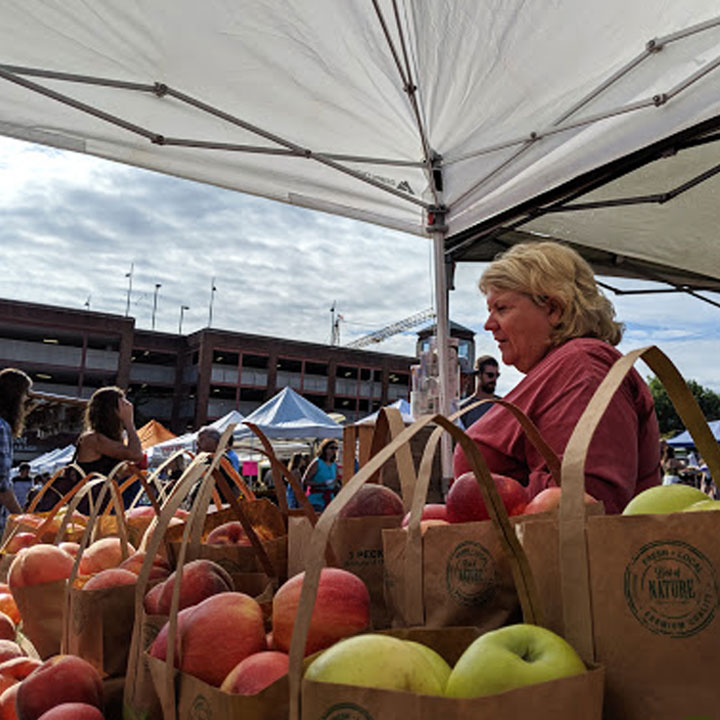 Cynthia Chiles and Chiles Family Orchards at Charlottesville City Market