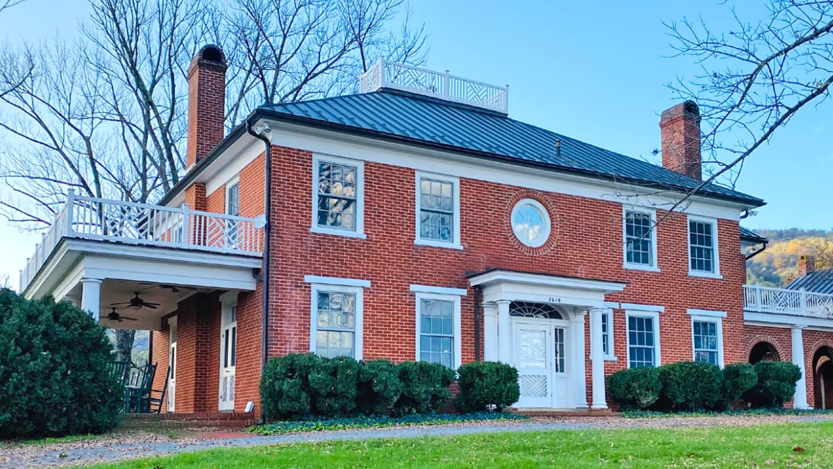 Jeffersonian house at Chiswell Farm and Winery