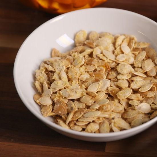 Garlic parmesan pumpkin seeds